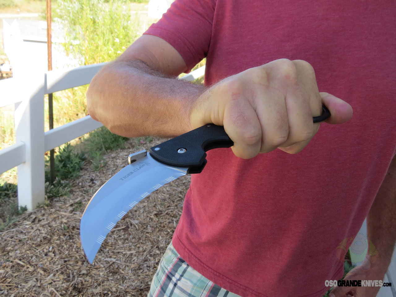 Gifts For Organizers >> Cold Steel Tiger Claw Folding Karambit (3 Inch CTS-XHP Serrated Blade) G10 Handles 22KFS ...